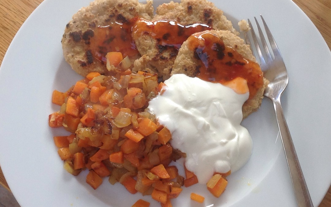 Oaty fritters, veg, yogurt & chilli
