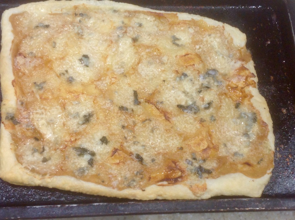 Roquefort tart, cooked
