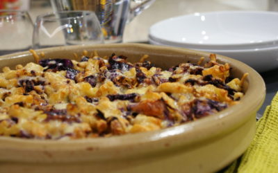 Cabbage, sultana and nut pasta bake